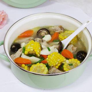 胡萝卜玉米山药排骨汤