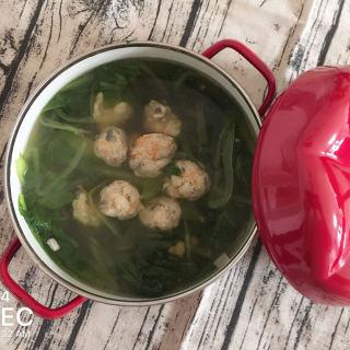 小白菜鸡肉丸汤