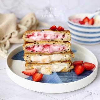 草莓芒果三明治