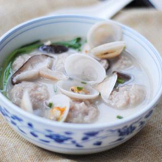 蛤蜊香菇鱼丸汤