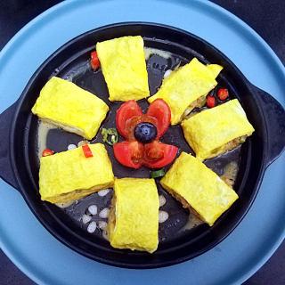 鸡蛋美食:猪肉芹菜蛋卷菜谱