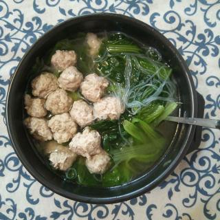 猪肉丸子粉丝白菜汤