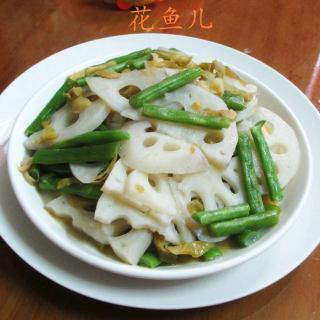 榨菜丝梅豆炒莲藕