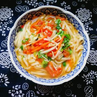 西红柿胡萝卜汤面