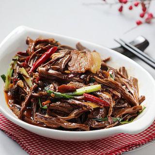 茶树菇烧五花肉