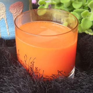 纯胡萝卜汁