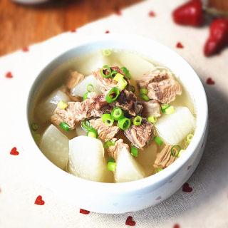 清炖牛腩萝卜汤