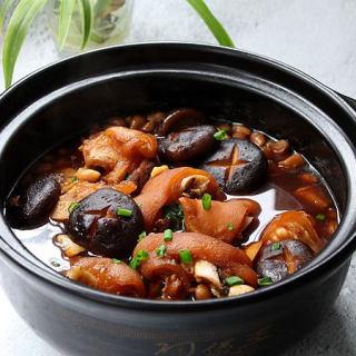 砂锅炖猪蹄