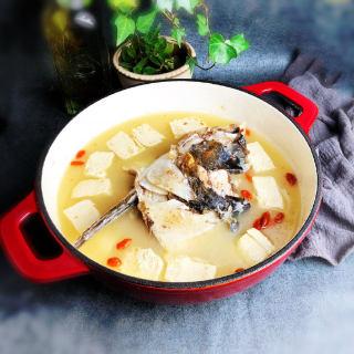 冻豆腐鱼头汤