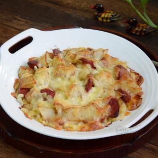 酸菜香肠�h土豆
