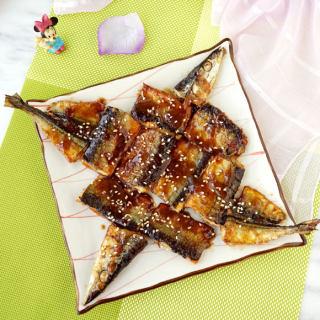 日式沙拉汁烧秋刀鱼