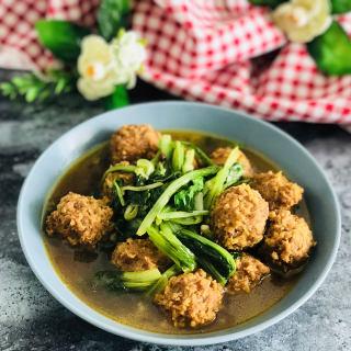 小白菜炖肉丸