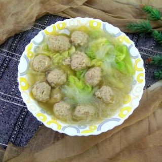白菜叶粉丝肉丸汤