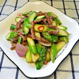 洋葱芦笋炒牛肉