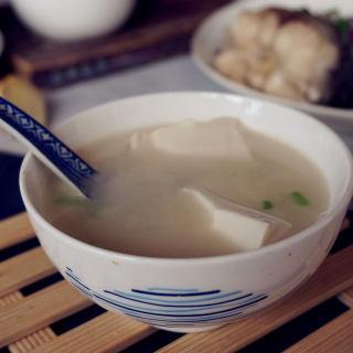 鱼尾豆腐汤