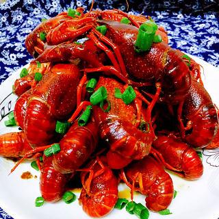 蒜香酱爆小龙虾