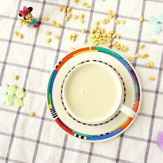 黑小麦薏米杏仁豆浆
