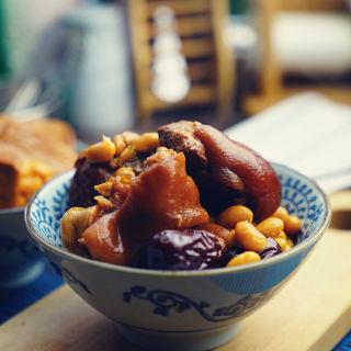 双豆炖猪蹄