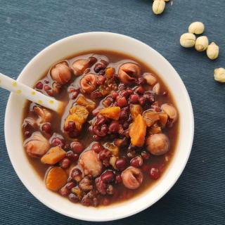 红薯莲子红豆汤