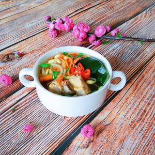 豆芽海带排骨汤