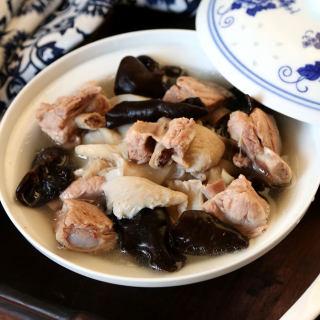 海鲜菇木耳炖排骨