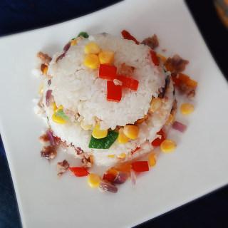多彩米饭蛋糕
