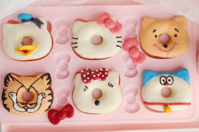 百变凯蒂猫甜甜圈