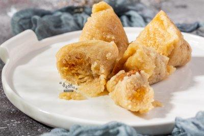 咸蛋黄肉粽子