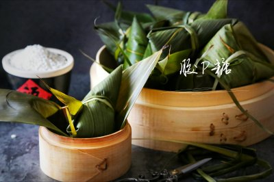 纯糯米粽子(三角粽子包法视频)