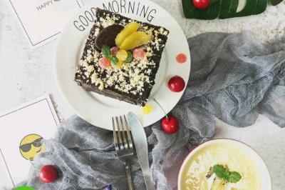 用吐司片伪作的巧克力蛋糕