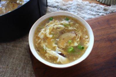 滑溜溜的香菇疙瘩汤