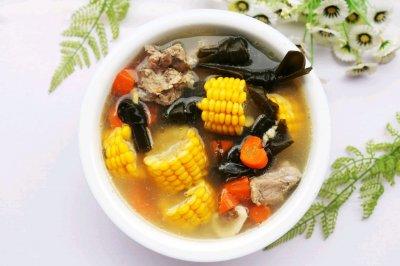 玉米海带筒骨汤