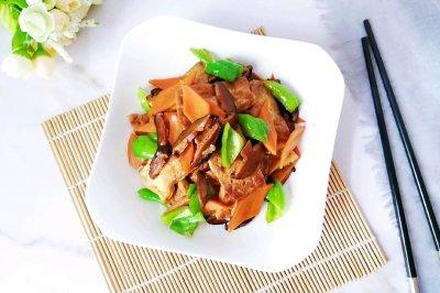 香菇味的红烧豆腐