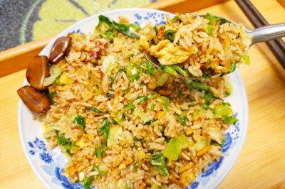 生菜蛋炒饭