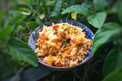 酸菜泡菜炒米饭
