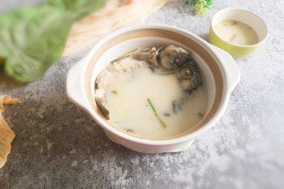 简单美味鲫鱼汤