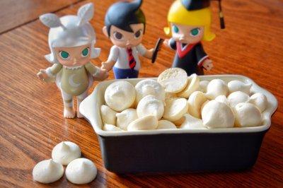 童年零食:雪白蛋白糖