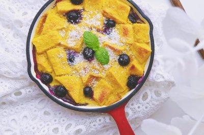 蓝莓南瓜吐司布丁