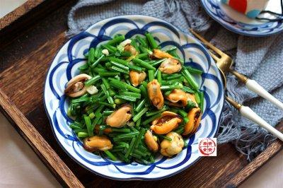韭菜苔炒海虹