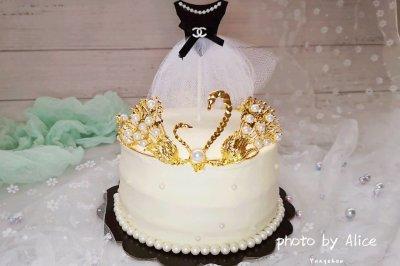 天鹅皇冠蛋糕