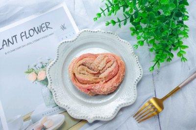 火龙果爱心椰蓉面包