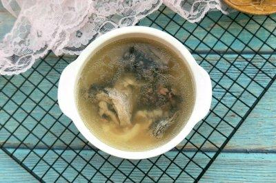 百合椰汁乌鸡汤