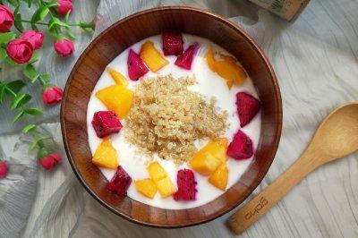 酸奶水果藜麦