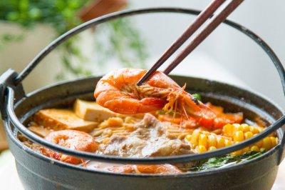 番茄泡菜鲜蔬锅