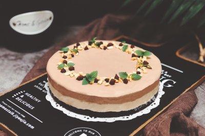 花生巧克力冰淇淋蛋糕