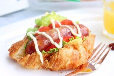香肠可颂三明治元气早餐