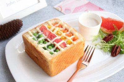 彩虹吐司沙拉吃定彩虹