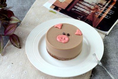 4寸小猪慕斯蛋糕