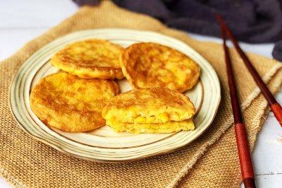 鸡蛋玉米饼