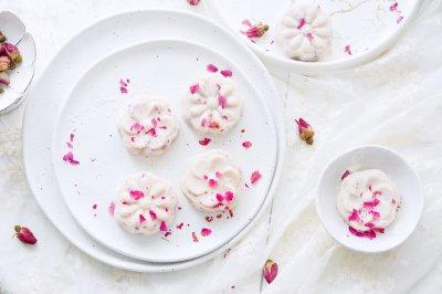 貌美如花的玫瑰山药糕